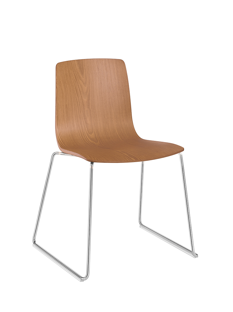 Aava 3902 chair by Arper