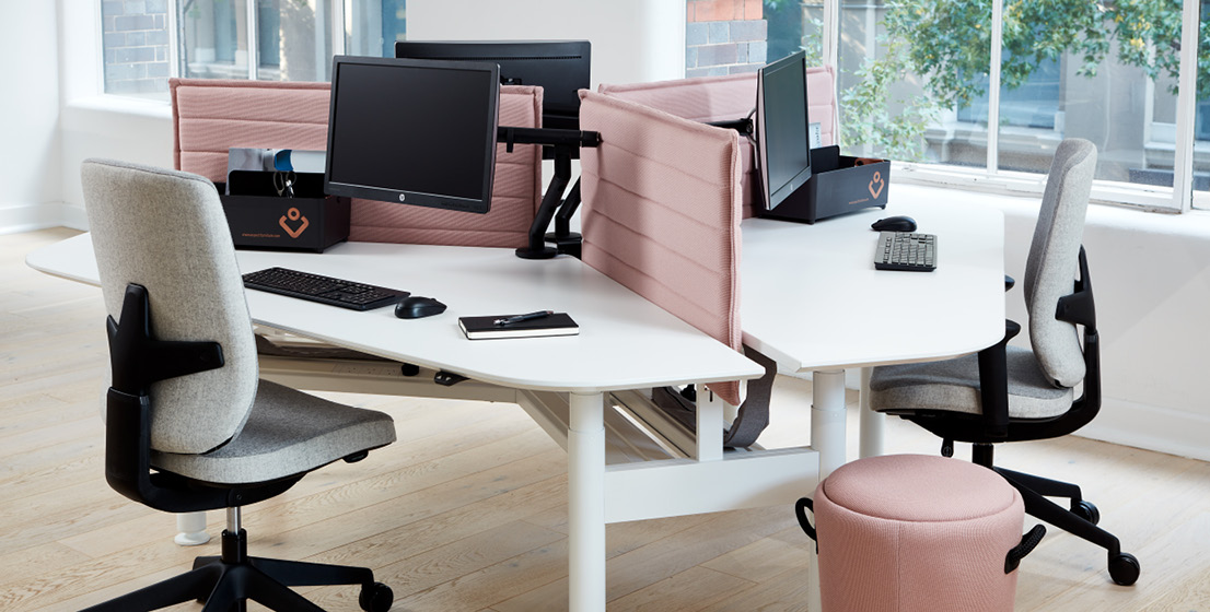 Aspect Furniture Zurich 120 Degree Workstation